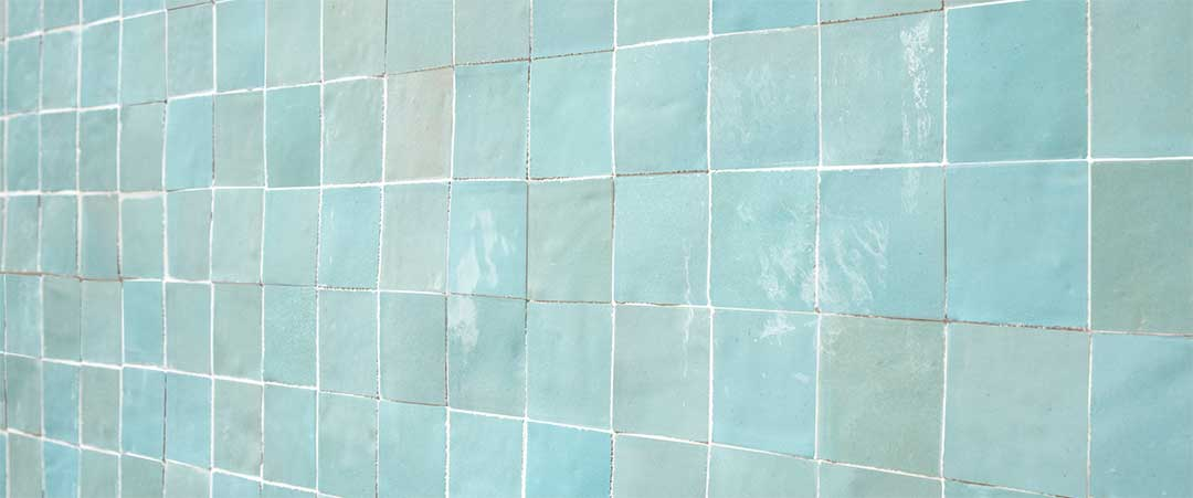 Zellige wall of 5x5cm tiles in colour 1064