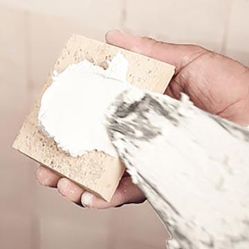 Tagliare gli angoli con un disco diamantato.