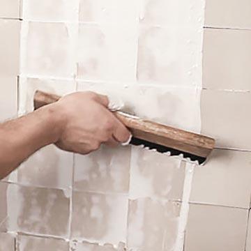 Extienda la lechada de cemento líquido.